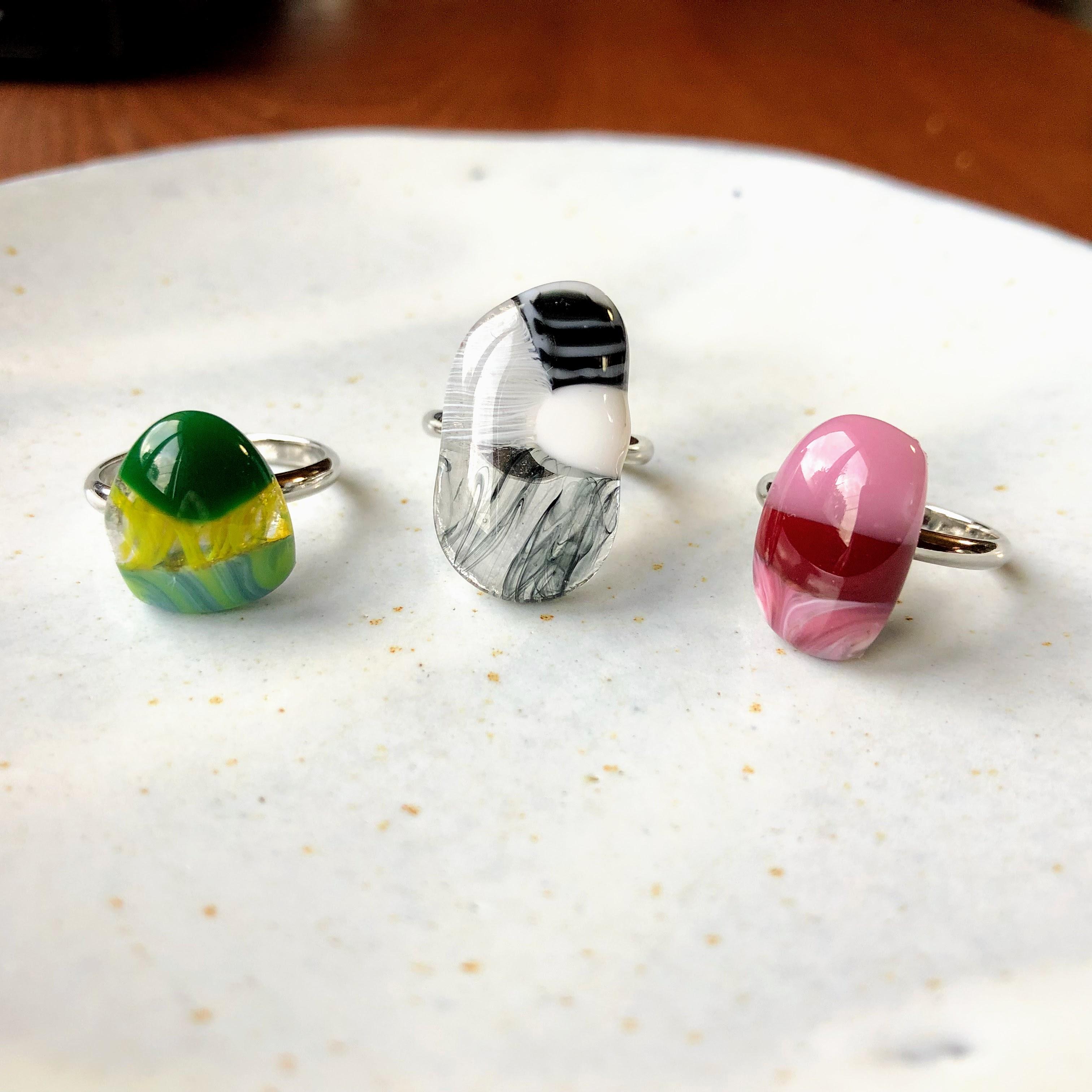 指輪(フリーサイズ)本ロジウム or K16GP レジン加工込み加工1点700円